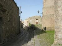 via adiacente al Duomo - 1 maggio 2008  - Erice (806 clic)