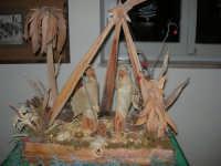 mostra di presepi presso l'Istituto Comprensivo A. Manzoni (1) - 20 dicembre 2007  - Buseto palizzolo (775 clic)