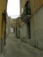 per le vie del paese - 17 aprile 2006  - Piana degli albanesi (1524 clic)
