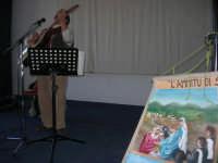 Il Cantastorie PEPPINO CASTRO di Dattilo (TP) presenta l'arte di raccontare cantando LA SICILIA TRA STORIE MITO E LEGGENDE POPOLARI - Istituto Comprensivo G. Pascoli - 3 - 25 gennaio 2008  - Castellammare del golfo (917 clic)