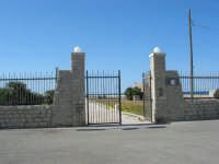 cancello d'ingresso al Villino Nasi - 6 settembre 2007  - Trapani (1070 clic)