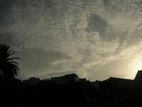 al Santuario della Madonna dei Miracoli . . . guardando il cielo - 6 settembre 2008   - Alcamo (620 clic)