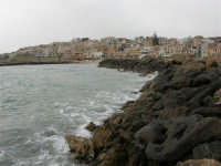 panorama dal molo del porticciolo - 16 aprile 2006  - Marinella di selinunte (4115 clic)