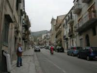 per le vie del paese - 17 aprile 2006  - Piana degli albanesi (1760 clic)