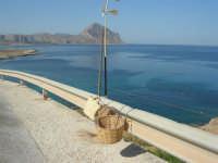 Macari - coffa e panari alla sosta panoramica sul golfo del Cofano - 8 agosto 2008  - San vito lo capo (588 clic)
