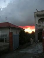 tramonto, il cielo si incendia - 19 gennaio 2008  - Alcamo (701 clic)