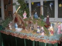 mostra di presepi presso l'Istituto Comprensivo A. Manzoni (3) - 20 dicembre 2007  - Buseto palizzolo (769 clic)