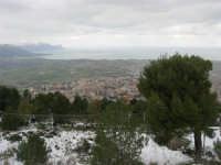 neve sul monte Bonifato e panorama del golfo di Castellammare - 15 febbraio 2009     - Alcamo (2502 clic)