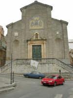per le vie del paese - Chiesa Madre San Demetrio - 17 aprile 2006  - Piana degli albanesi (2063 clic)