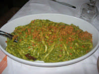busiate al pesto con mandorle, melanzane e salsa - Baglio Ardigna - 17 maggio 2009  - Salemi (13247 clic)