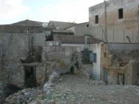 ruderi del terremoto del gennaio 1968 - 11 ottobre 2007   - Salemi (3165 clic)