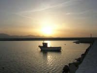 scende la sera sul porto - 24 maggio 2008  - Balestrate (1291 clic)