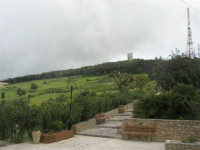 sul monte Erice - foschia - 1 maggio 2009  - Erice (2036 clic)