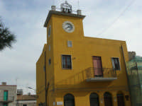 Piazza Fontana, angolo via Vittorio Emanuele - Casa comunale - 9 novembre 2008  - Sant'anna di caltabellotta (3203 clic)