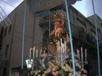 Processione in onore di Maria Santissima dei Miracoli, patrona di Alcamo - Corso VI Aprile - 21 giugno 2009   - Alcamo (2761 clic)