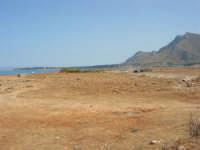 Golfo del Cofano: paesaggio brullo, mare spettacolare - 23 agosto 2008  - San vito lo capo (464 clic)
