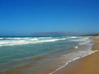 zona Canalotto: il fascino del mare mosso! - 3 agosto 2006  - Alcamo marina (1031 clic)