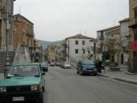 per le vie del paese - 17 aprile 2006  - Piana degli albanesi (1628 clic)