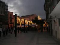 Festeggiamenti Maria SS. dei Miracoli - illuminazione straordinaria in Piazza Ciullo - 20 giugno 2008   - Alcamo (730 clic)
