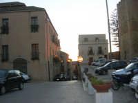 Piazza Alicia e via Garibaldi - 11 ottobre 2007   - Salemi (3534 clic)