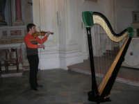 Danilo Artale al violino: prove per il concerto - Chiesa Madonna del Soccorso - 27 dicembre 2007  - Alcamo (1327 clic)