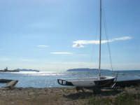 Isole Egadi viste dal giardino del Villino Nasi  - 6 settembre 2007  - Trapani (1091 clic)