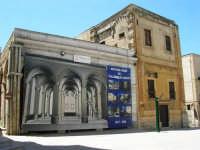 piazza Ciullo: restauro e riuso del Collegio dei Gesuiti - Chiesa della Sacra Famiglia - 13 maggio 2007  - Alcamo (1275 clic)