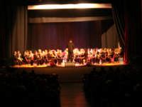 Il Concerto di Capodanno - Complesso Bandistico Città di Alcamo - Direttore: Giuseppe Testa - Teatro Cielo d'Alcamo - 1 gennaio 2009  - Alcamo (2871 clic)
