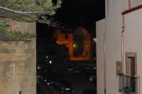 dal Castello uno scorcio di piazza Alicia ed in fondo i resti della Chiesa Madre - 2 gennaio 2009   - Salemi (2682 clic)