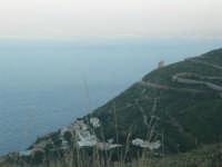 Torre di avvistamento e villaggio turistico - 24 febbraio 2008  - Calampiso (2661 clic)