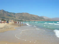 zona Plaja - spiaggia, mare e monti - 18 agosto 2008   - Alcamo marina (843 clic)