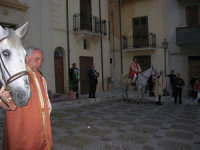 2° Corteo Storico di Santa Rita - cavalieri in Piazza Madonna delle Grazie - 17 maggio 2008   - Castellammare del golfo (661 clic)