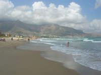 zona Plaja - domenica con mare mosso e qualche nuvola, ma il clima è gradevole - 10 agosto 2008   - Alcamo marina (698 clic)