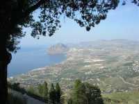 panorama del golfo di Bonagia, monte Cofano, capo San Vito ed entroterra - 22 maggio 2009  - Erice (1606 clic)