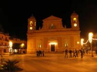 Festa di San Giuseppe - l'illuminazione in Piazza Rettore Filippo Evola - 18 marzo 2009  - Balestrate (7373 clic)