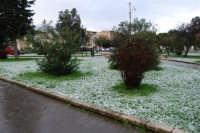 neve in Piazza della Repubblica - 14 febbraio 2009   - Alcamo (3246 clic)