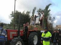 Processione della Via Crucis con gruppi statuari viventi - 5 aprile 2009   - Buseto palizzolo (1554 clic)