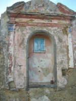 antico baglio - cappella votiva dedicata alla Madonna - 3 marzo 2009  - Alcamo (2723 clic)