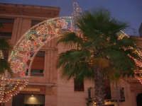 Festeggiamenti Maria SS. dei Miracoli - illuminazione straordinaria in Piazza Ciullo - 20 giugno 2008   - Alcamo (597 clic)