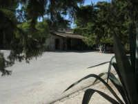 area archeologica: posto di ristoro - 4 ottobre 2007  - Segesta (1590 clic)