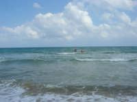 zona Plaja - domenica con mare mosso e qualche nuvola, ma il clima è gradevole - 10 agosto 2008   - Alcamo marina (566 clic)