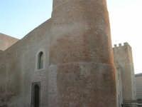 Castello dei Conti di Modica, lato nord-est - 24 maggio 2007  - Alcamo (814 clic)