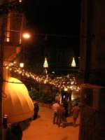 uno scorcio di piazza Libertà illuminata a festa - 6 gennaio 2009  - Salemi (3216 clic)