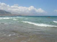 zona Plaja - domenica con mare mosso e qualche nuvola, ma il clima è gradevole - 10 agosto 2008   - Alcamo marina (828 clic)