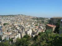 uno scorcio della città visto dalla rupe - 4 ottobre 2007  - Calatafimi segesta (714 clic)