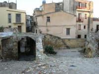 ruderi del terremoto del gennaio 1968 - 11 ottobre 2007   - Salemi (2807 clic)