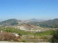 la città vista dal colle Pianto Romano ed in fondo il monte Bonifato - 4 ottobre 2007    - Calatafimi segesta (736 clic)
