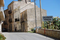 la periferia del paese - via Dei Mille - 4 ottobre 2007  - Calatafimi segesta (1287 clic)