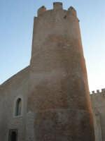 Castello dei Conti di Modica, lato nord-est - 24 maggio 2007  - Alcamo (832 clic)