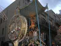 Processione in onore di Maria Santissima dei Miracoli, patrona di Alcamo - Corso VI Aprile - 21 giugno 2009   - Alcamo (2527 clic)
